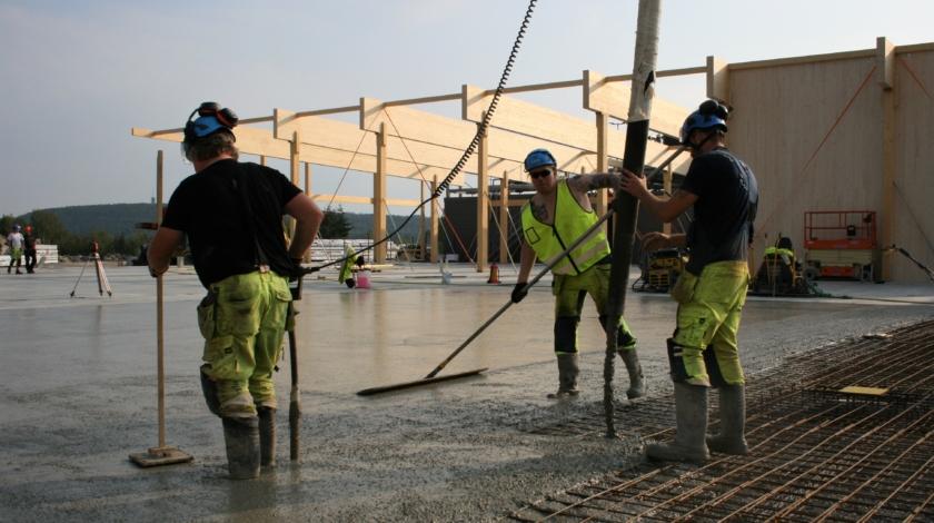 ByggPartner gjuter plattan till den nya datahallen i Falun